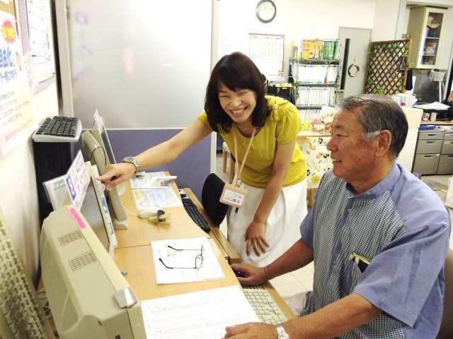 既存教室に通う生徒さんの約60%が60歳以上。 「初めて孫にメールが送れた」そんなほんわかする報告も♪