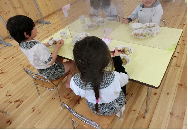 ≪姫路市≫【栄養士】元気いっぱいの子ども達にかこまれて一緒に働きませんか?