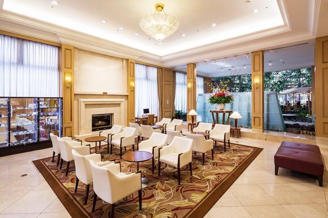 キレイに並んだテーブルや椅子。ホテルの隅々まで行き届いた美しさは、清掃スタッフの努力の賜物です☆