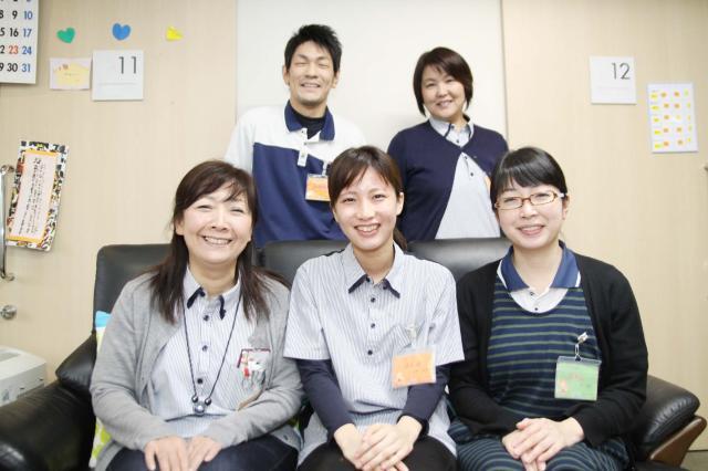 気さくなスタッフが活躍する施設は、家庭的な雰囲気♪新人さんも温かくお迎えします。