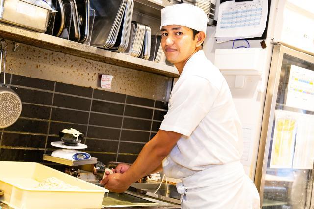 接客も調理もできる、そんな丸亀製麺で働く魅力は?