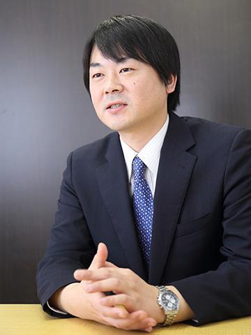 大阪梅田支店<br>副支店長<br>天間 英俊