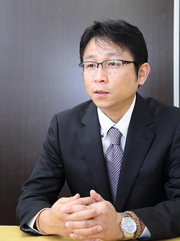 営業統括本部本部長<br>兼 大阪梅田支店長<br>小笹 晃平
