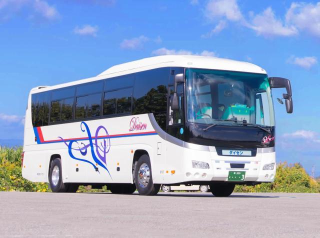 サロン付き大型バス
