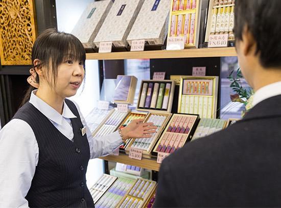 [大阪市中央区]≪仏具等の店内販売≫◆未経験OK!◆正社員登用あり!◆女性活躍中!