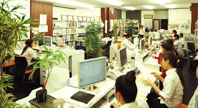 清潔感溢れるオフィスは雰囲気もバッチリ!