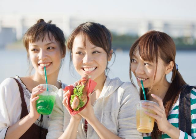 女性活躍中の職場!冷暖房完備でキレイな環境で働けますよ!!