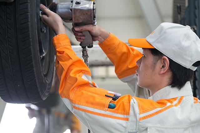 [枚方市]≪自動車整備士・エンジニア≫◆仕事もプライベートも充実◆頑張りが反映される奨励金制度有