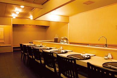 名店のシェフも認めた、美味しい天ぷらと居心地の良い店内が自慢です。