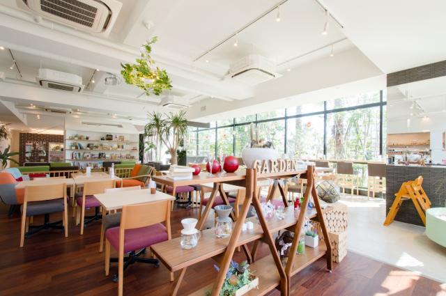 株式会社高栄ホーム 家カフェ+Garden(プラスガーデン)
