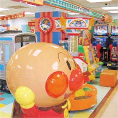 お子さん向けのゲームセンターだから、勤務時間は≪9:30~17:00≫の間。とっても働きやすい、人気の時間帯ですよ♪