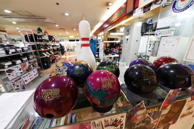 JR「博多」駅筑紫口から徒歩約4分!お仕事帰りにお買物したり、楽しい寄り道にも便利ですよ。