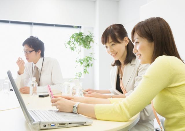 賞与年2回、昇給年1回など正社員なみの待遇が魅力!  安定した働き方が叶います。