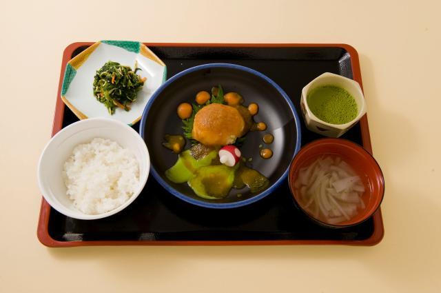 京都マルタマフーズ株式会社(特別養護老人ホーム『真野しょうぶ苑』)
