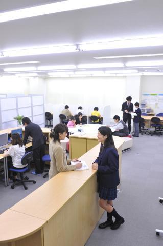 ≪合同研修会実施≫ 3~4人のグループで指導法などを学びます。詳細は備考をチェック!